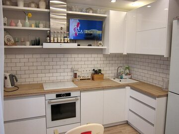 Угловая кухня из пластика Хелен