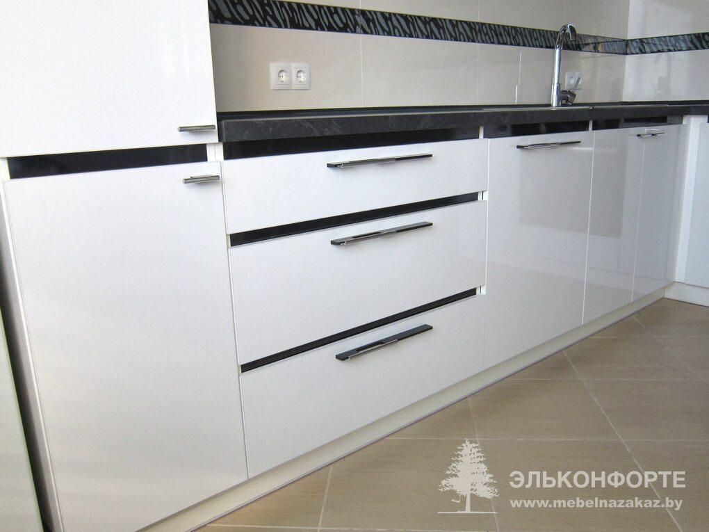 Угловая кухня из пластика Аурум