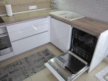 Угловая кухня из пластика Тильда