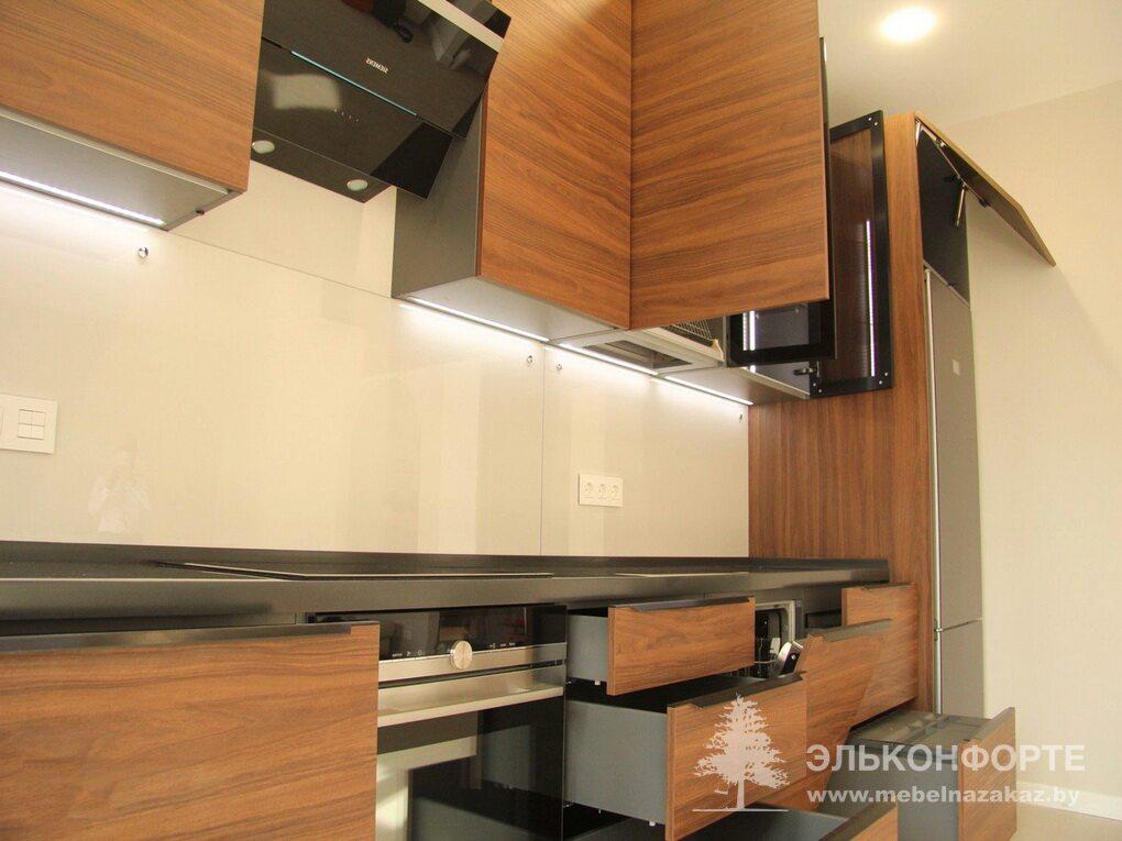 Современная прямая кухня Акация